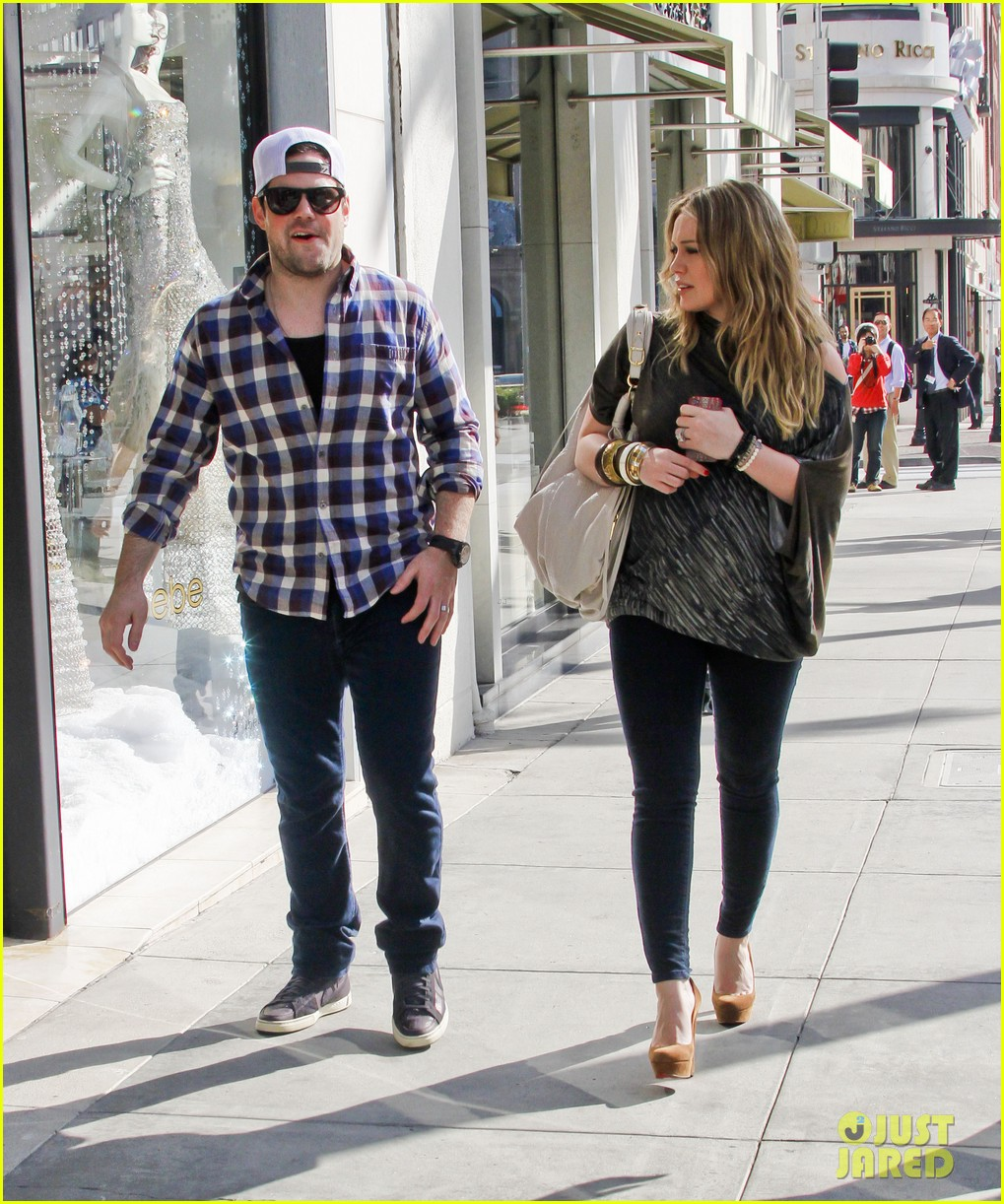 hilary duff mike comrie shopping 072613207