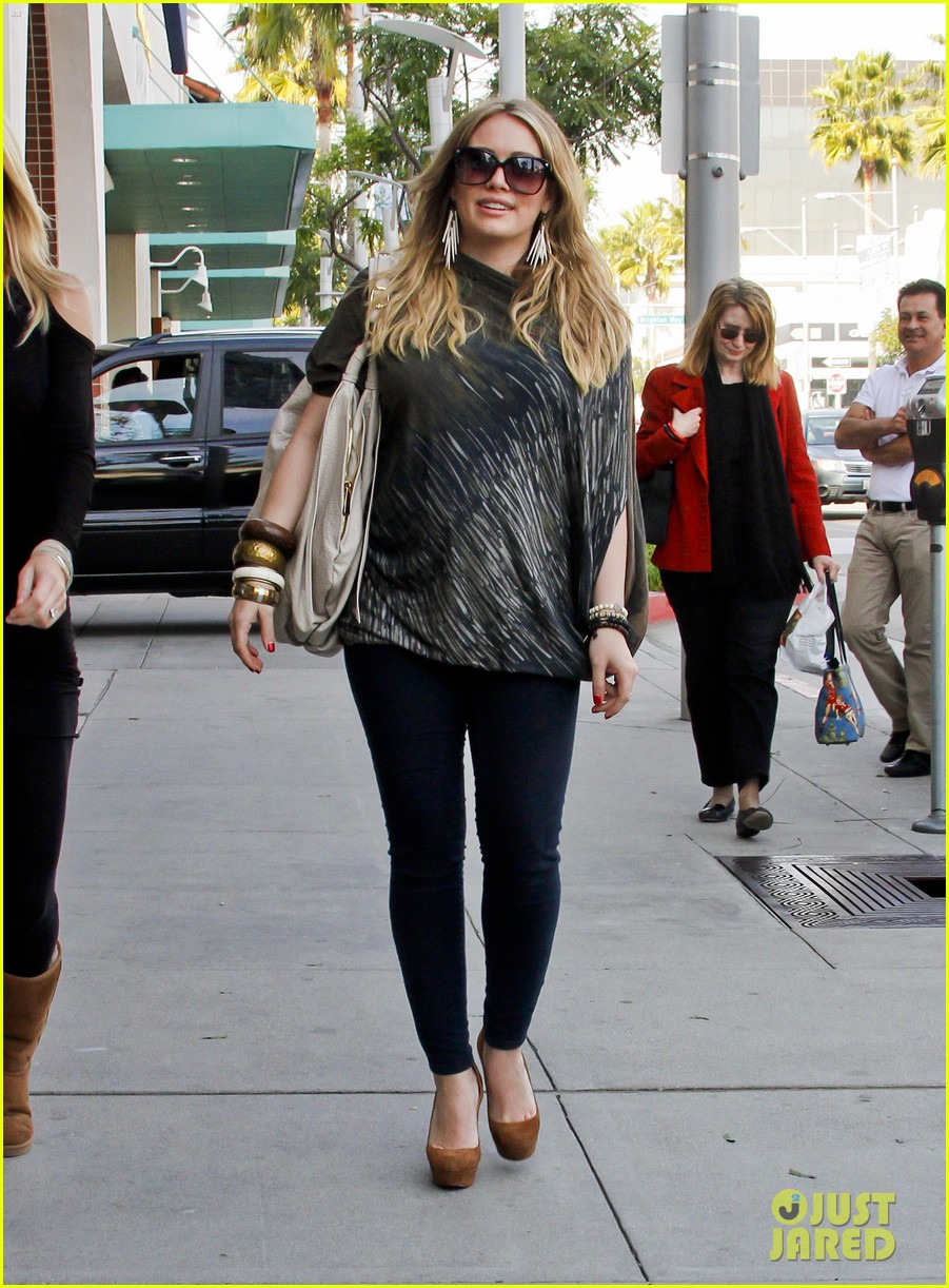 hilary duff mike comrie shopping 082613208