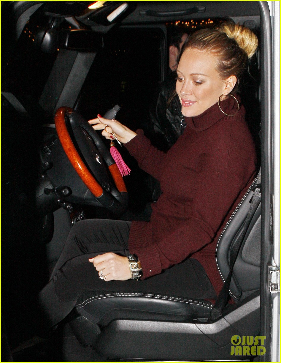hilary duff dinner date mike comrie 09