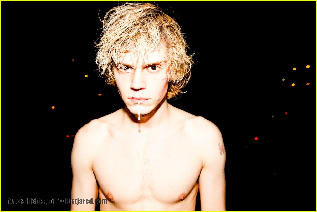 evan peters shirtless 032608168
