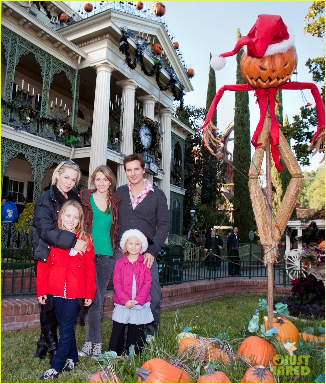 peter facinelli jennie garth disneyland family 02