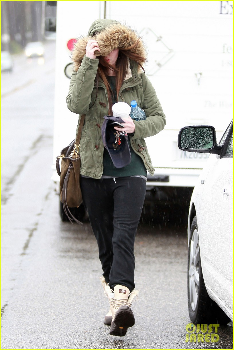 megan fox rainy salon day 112609552