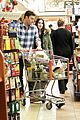 megan fox brian austin green grocery shop 18