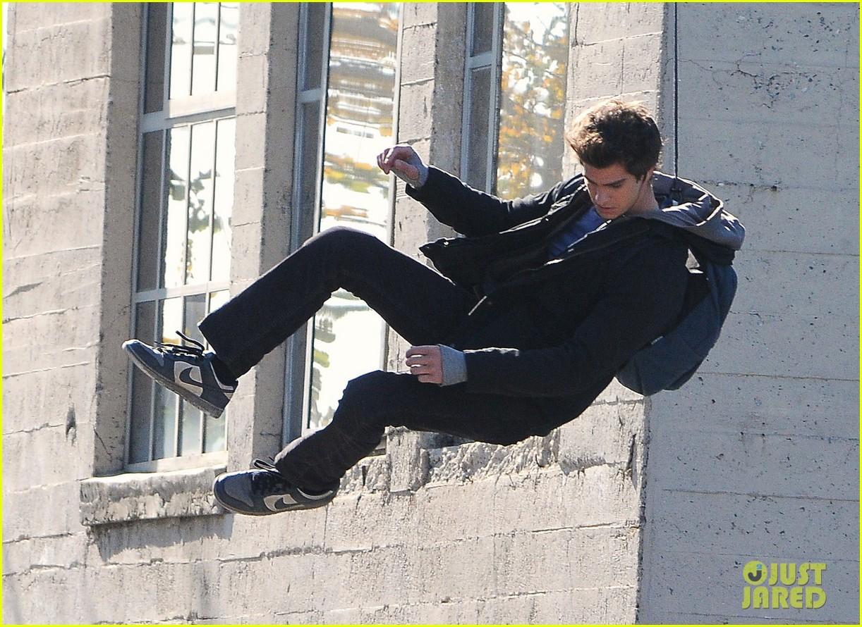 andrew garfield flying spider man 04