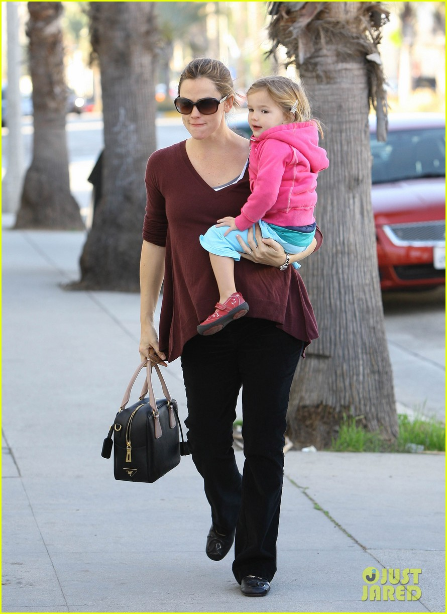 jennifer garner breakfast seraphina dad 08
