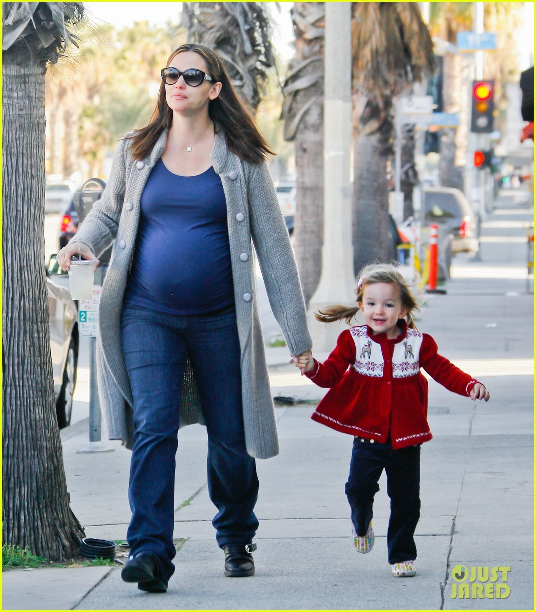 jennifer garner busy day 242608548