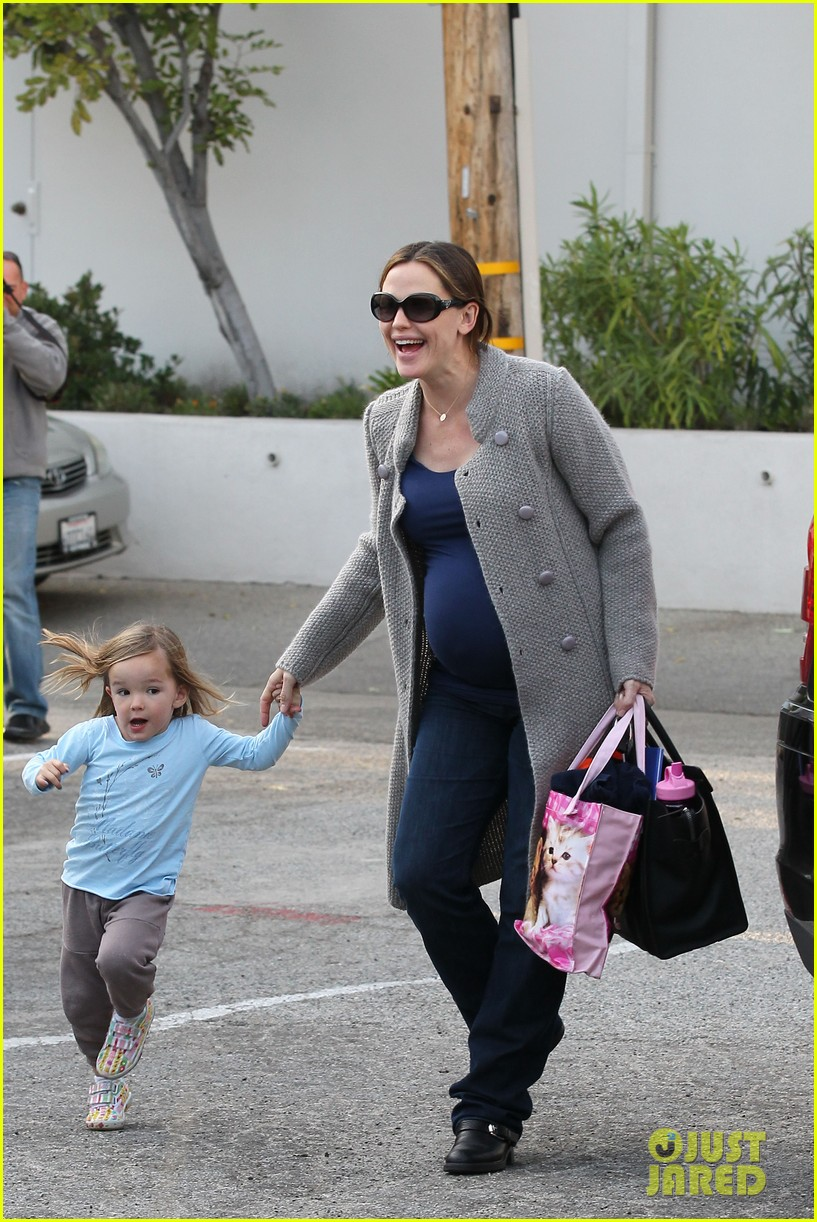 jennifer garner busy day 332608557