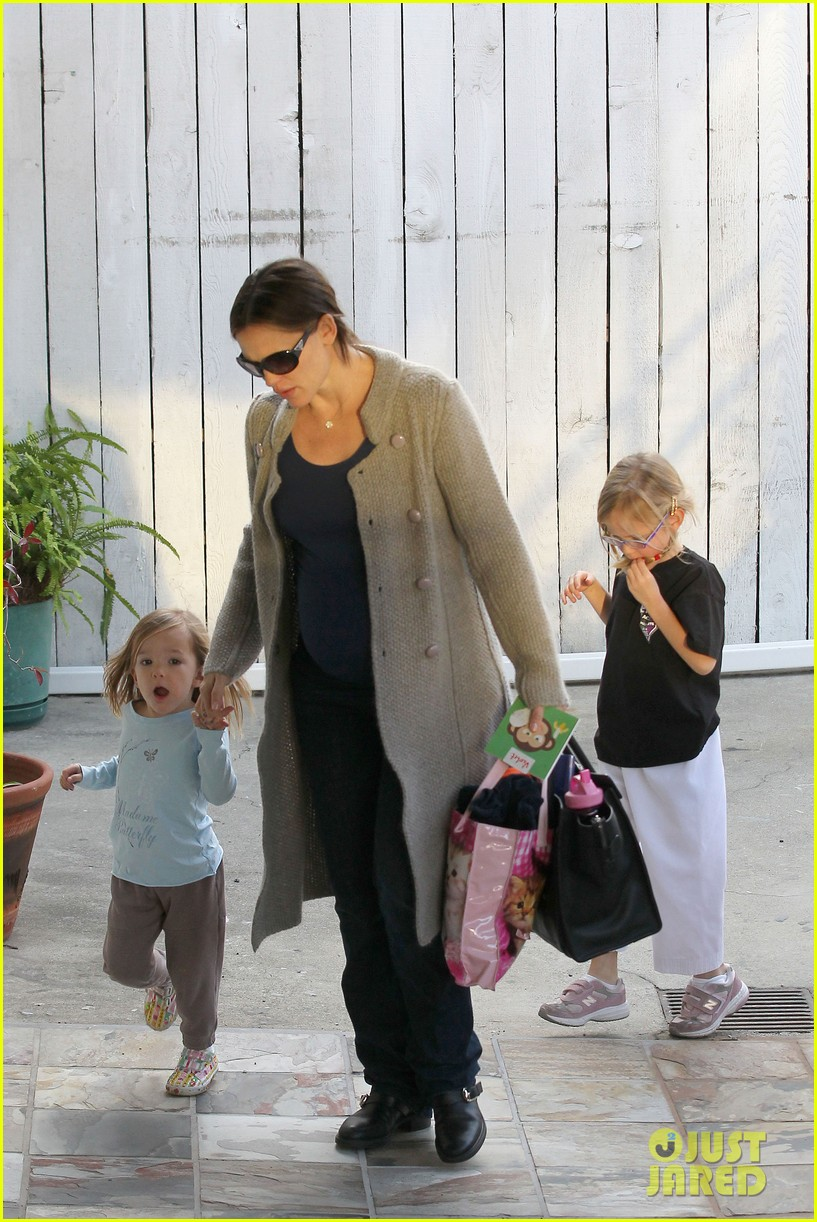 jennifer garner busy day 39