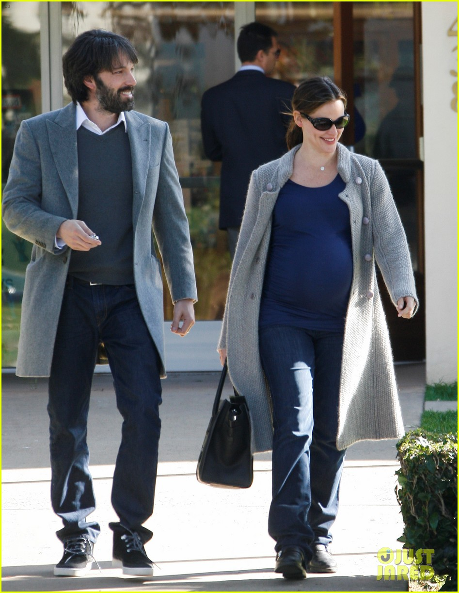jennifer garner christmas shopping with ben affleck 01