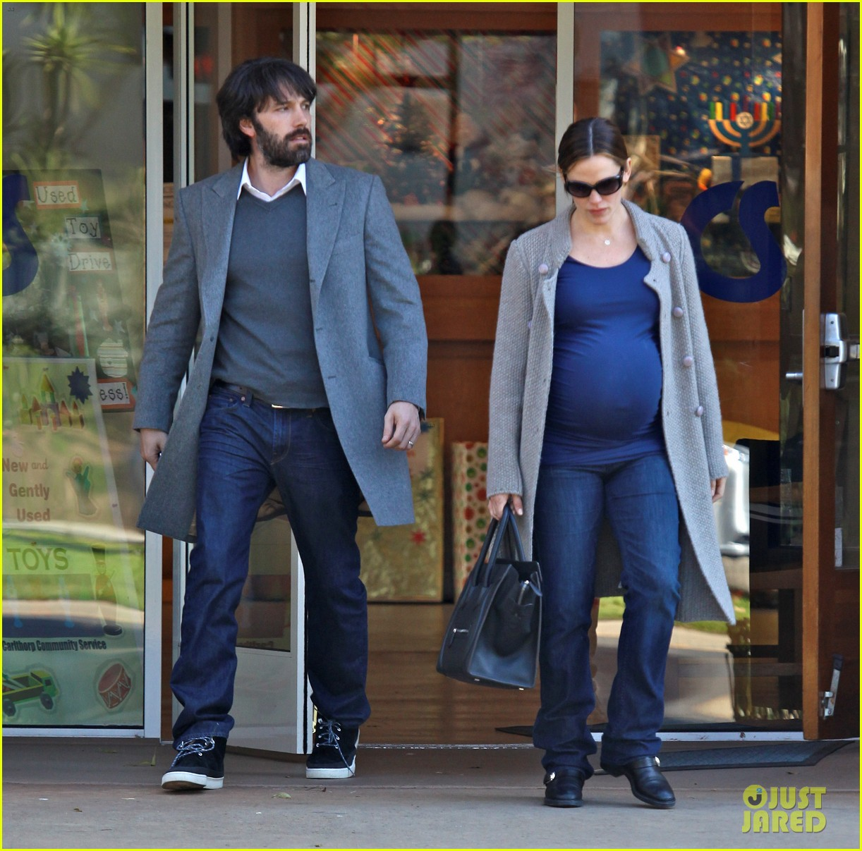 jennifer garner christmas shopping with ben affleck 04