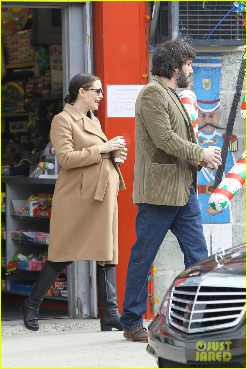 jennifer garner ben affleck toy store 152609174