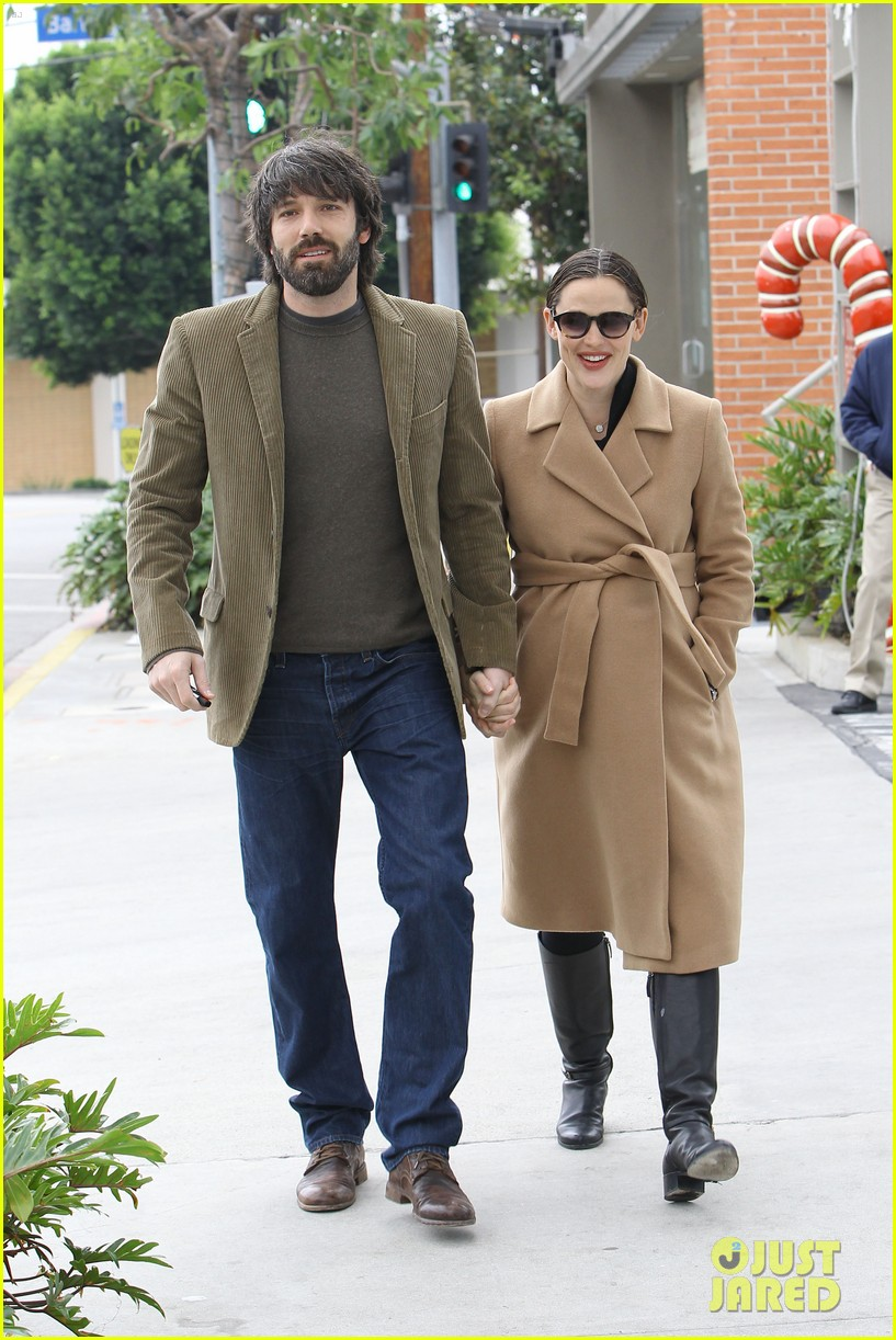 jennifer garner ben affleck toy store 182609177