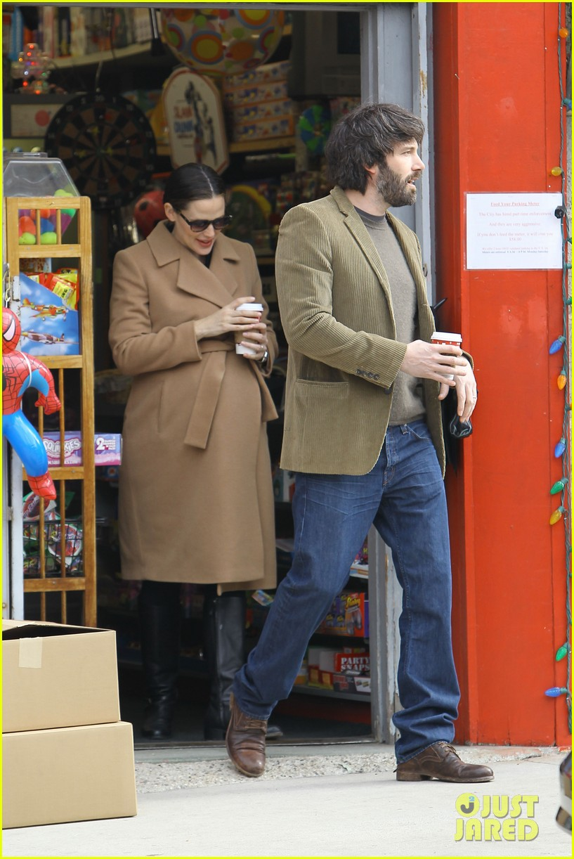 jennifer garner ben affleck toy store 222609181