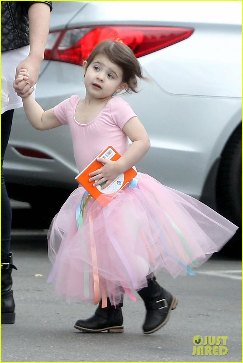 sarah michelle gellar charlotte ballet 022611448