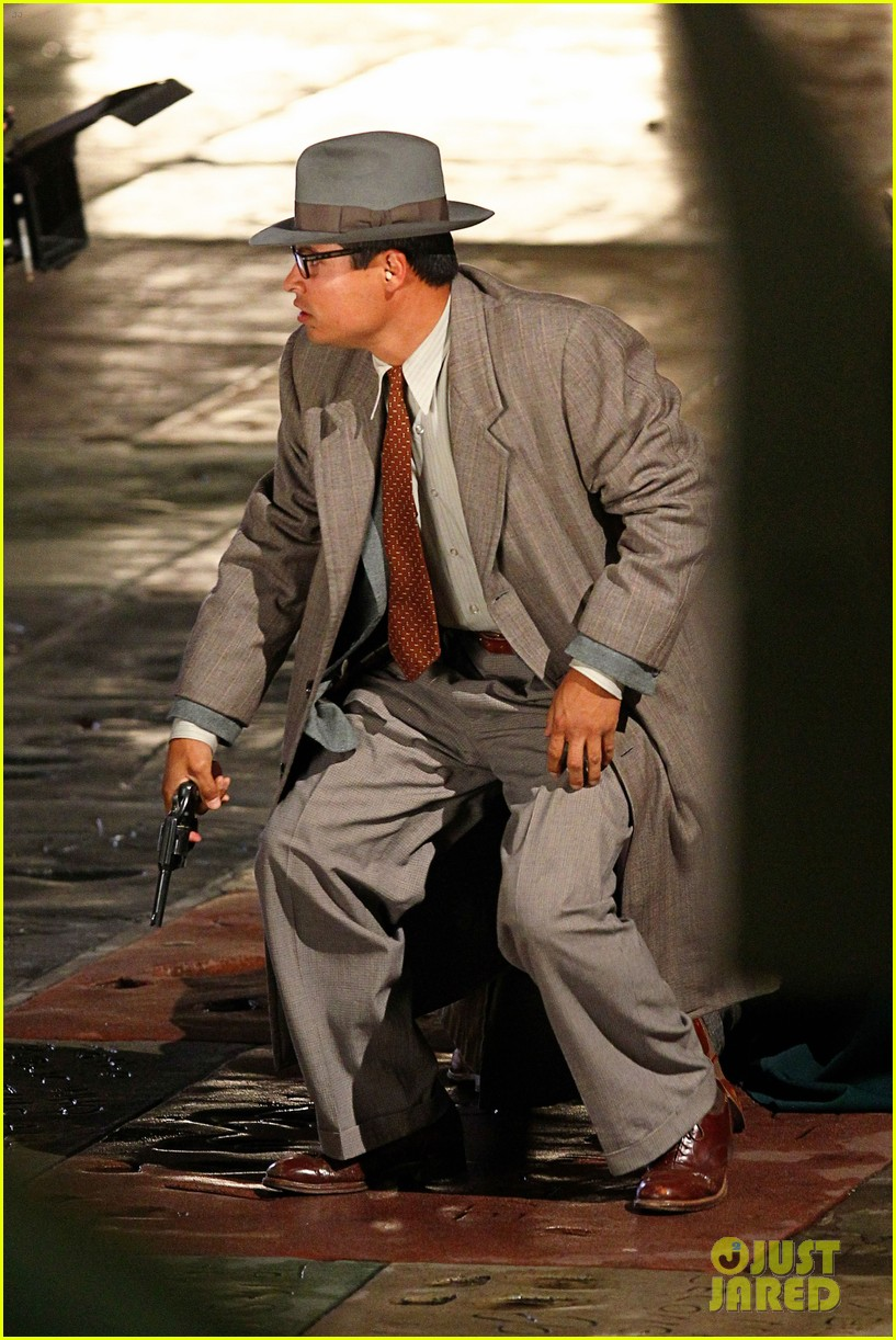 ryan gosling late night gangster squad 13