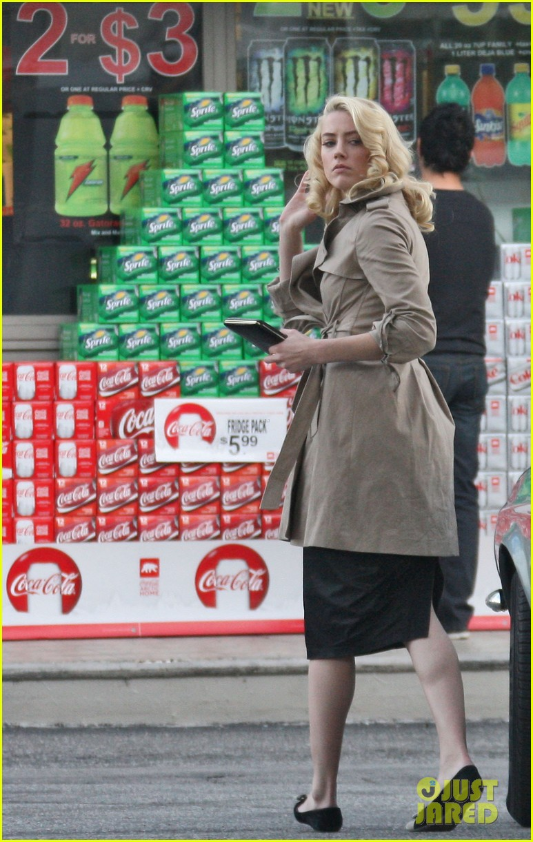 amber heard gas station 052610623