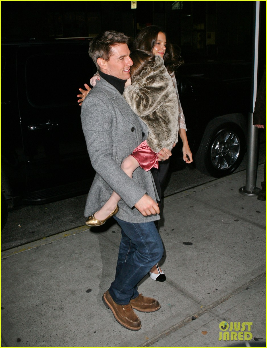 katie holmes tom cruise birthday night out 102611003