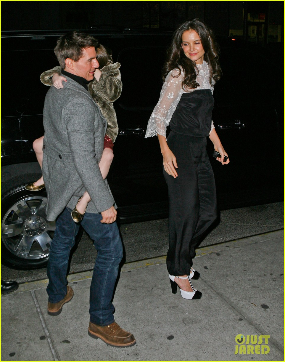 katie holmes tom cruise birthday night out 112611004