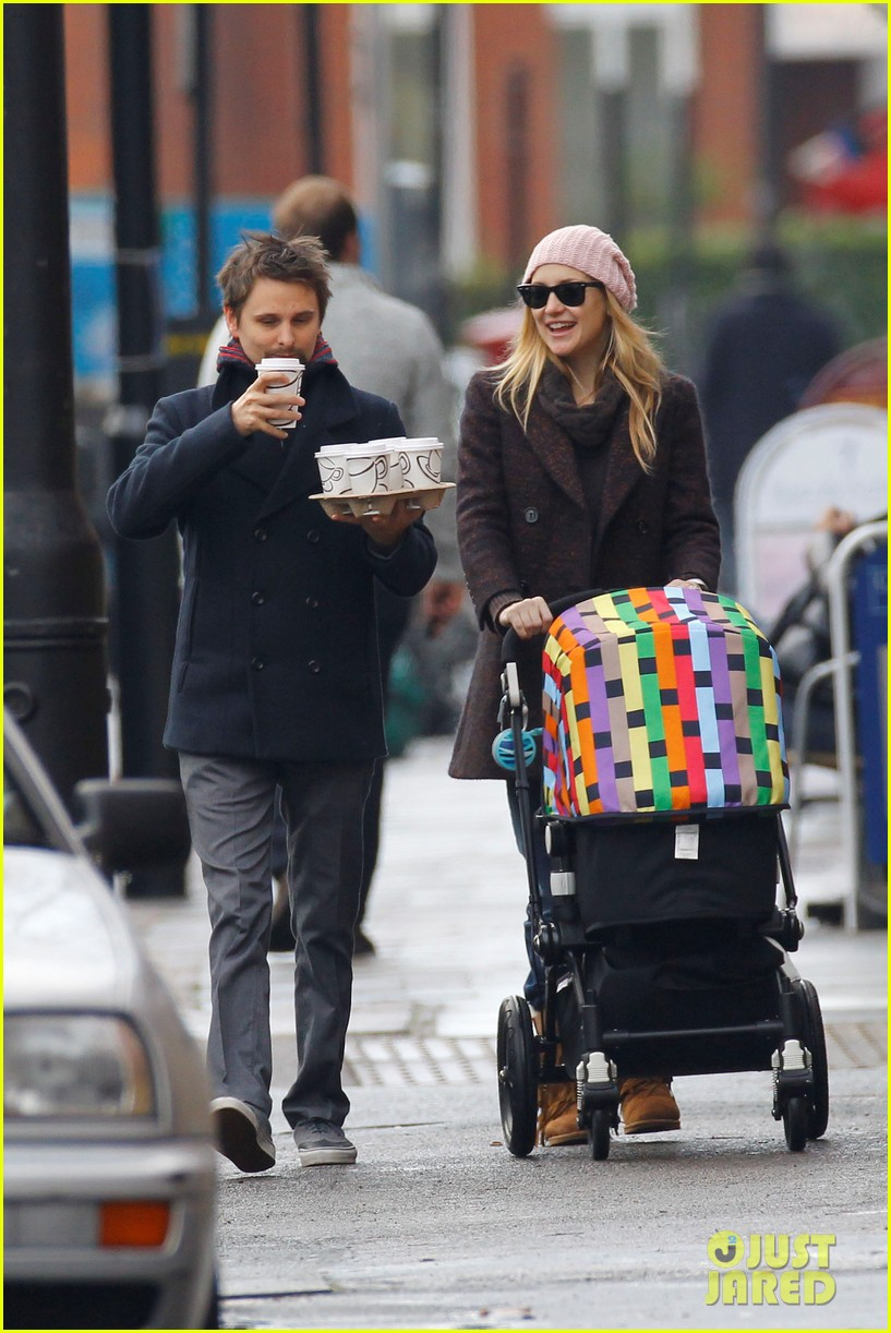 kate hudson matthew bellamy breakfast bingham 01