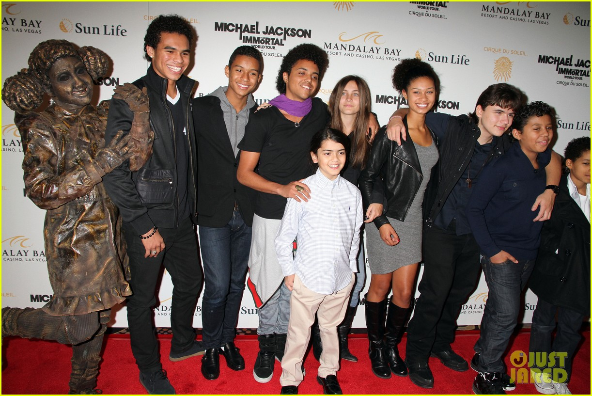 prince blanket paris jackson immortal 022606436