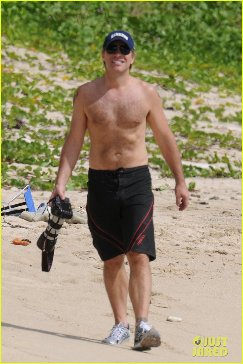 jon bon jovi shirtless 012612244