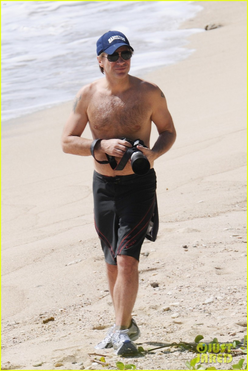 jon bon jovi shirtless 112612254