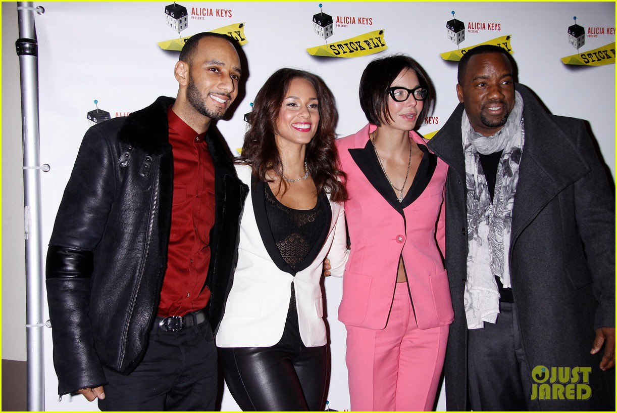alicia keys swizz beatz stick fly red carpet 102608495