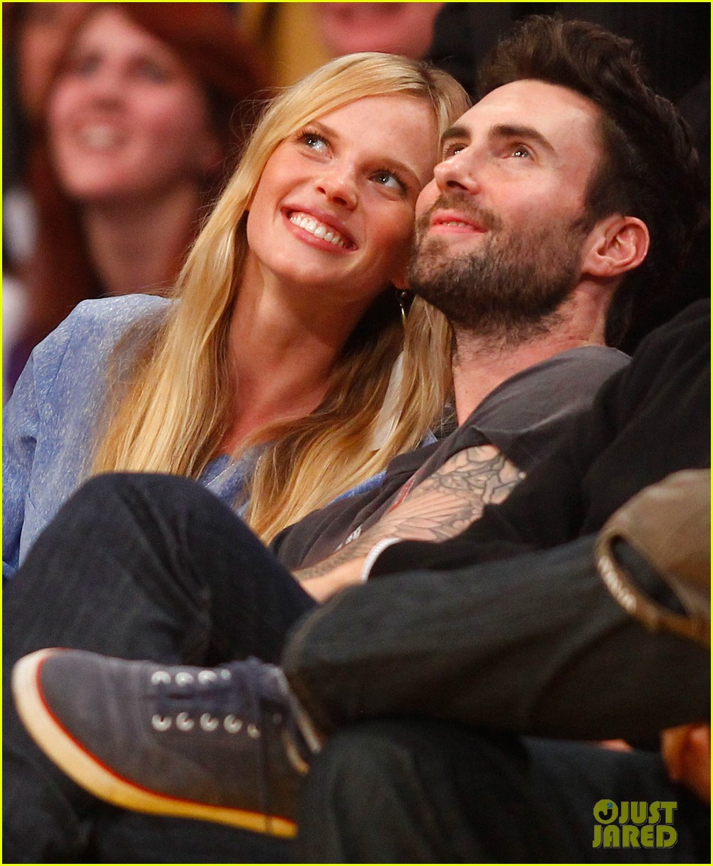 adam levine anne v lakers lovers 052612849