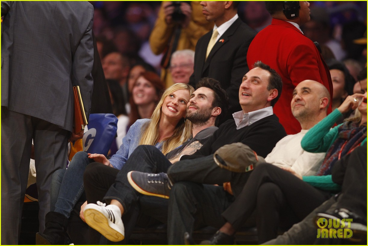 adam levine anne v lakers lovers 072612851