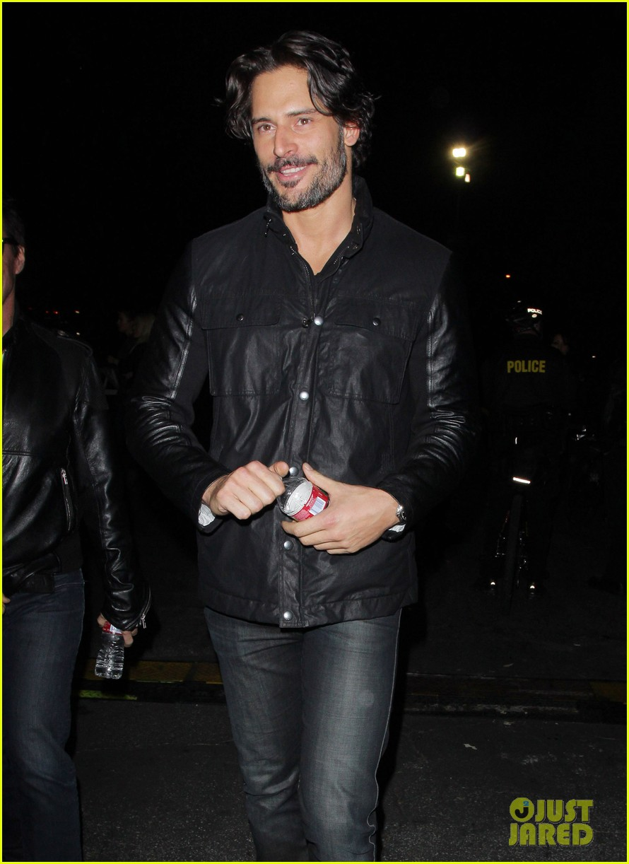 joe manganiello guns roses concert 01