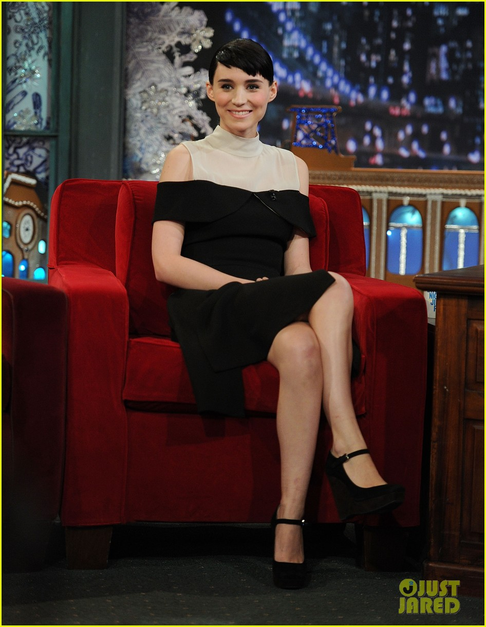 rooney mara late night with jimmy fallon 02