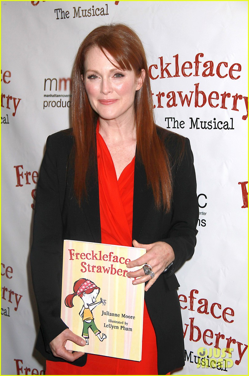 julianne moore freckleface musical 042609226