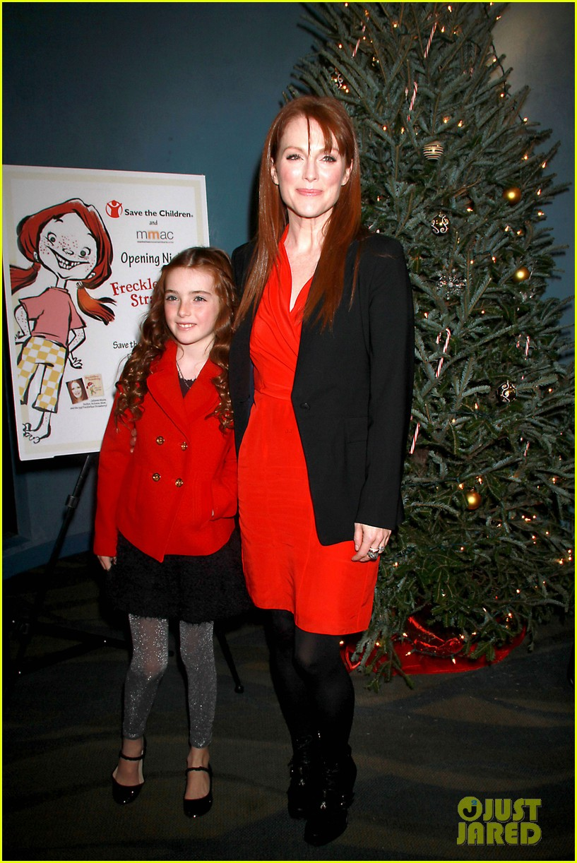 julianne moore freckleface musical 11
