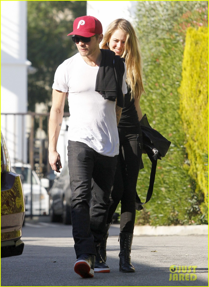 ryan phillippe lunch mystery gal 022612097
