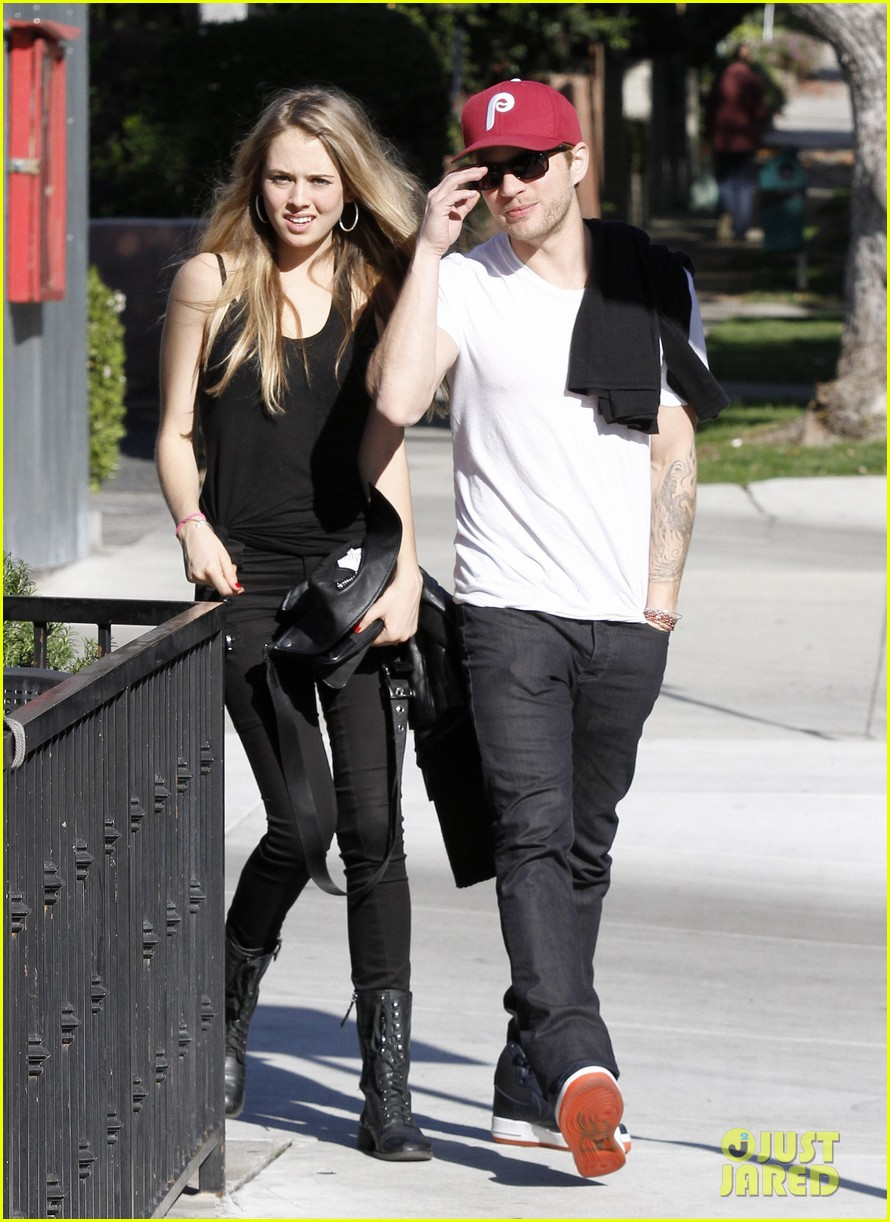 ryan phillippe lunch mystery gal 072612102