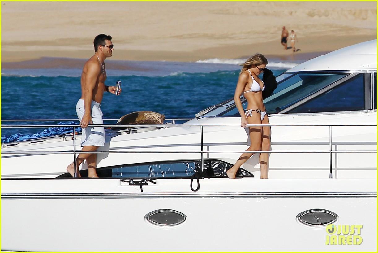leann rimes eddie cibrian boat 032611573
