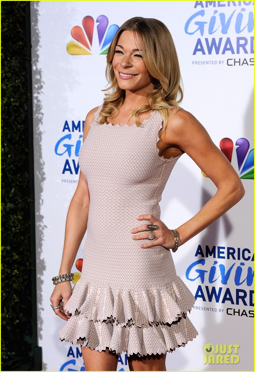 leann rimes american giving awards 082608627