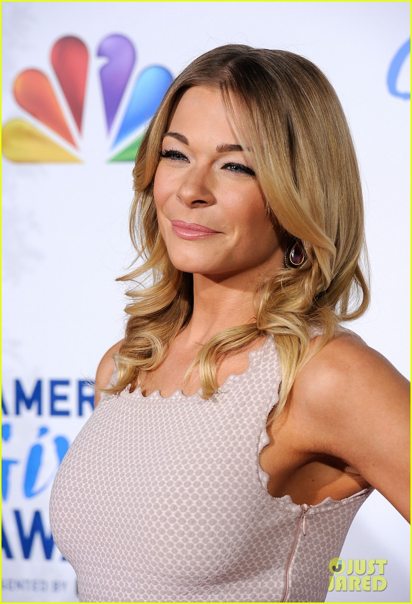 leann rimes american giving awards 10
