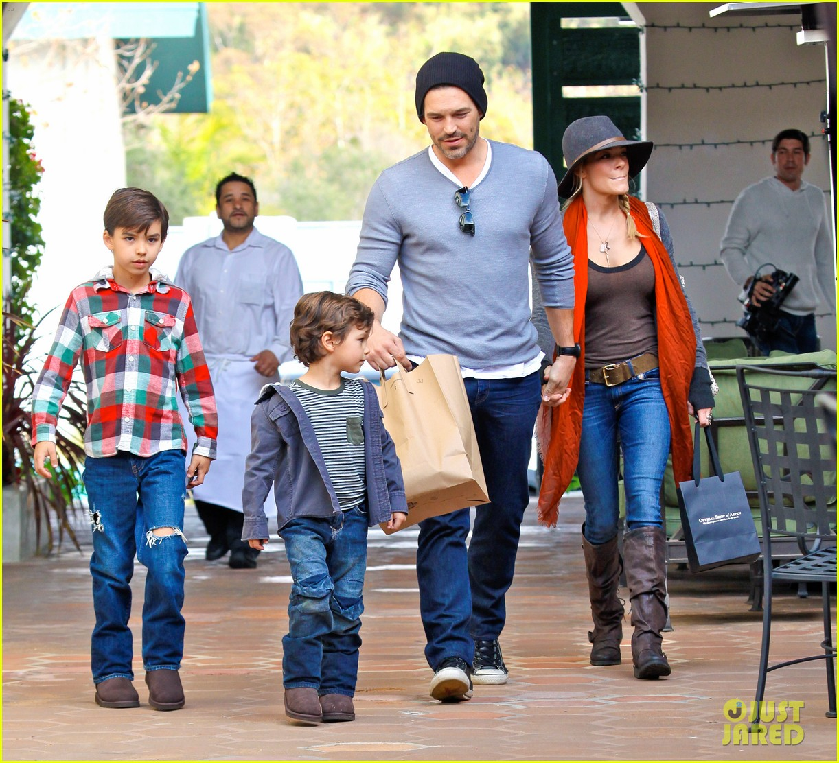 leann rimes jake shopping malibu 02