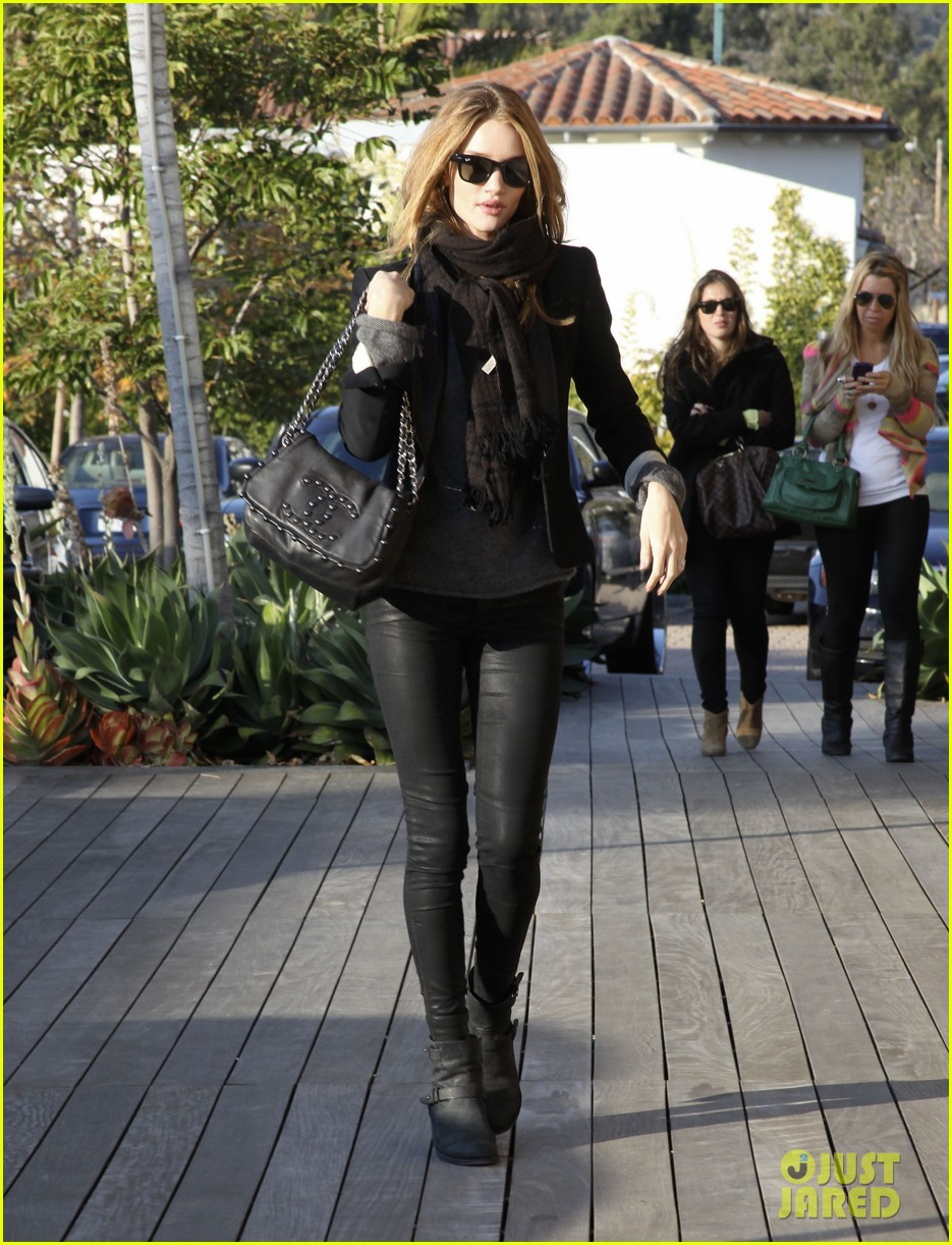 rosie huntington whiteley jason statham shop beverly hills 022611086