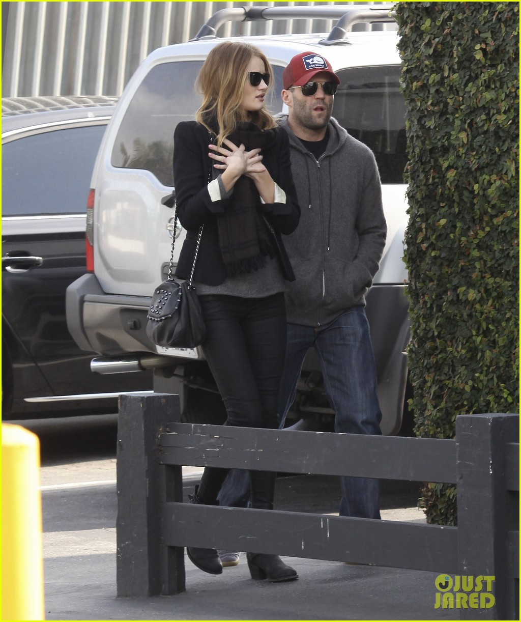 rosie huntington whiteley jason statham shop beverly hills 142611098