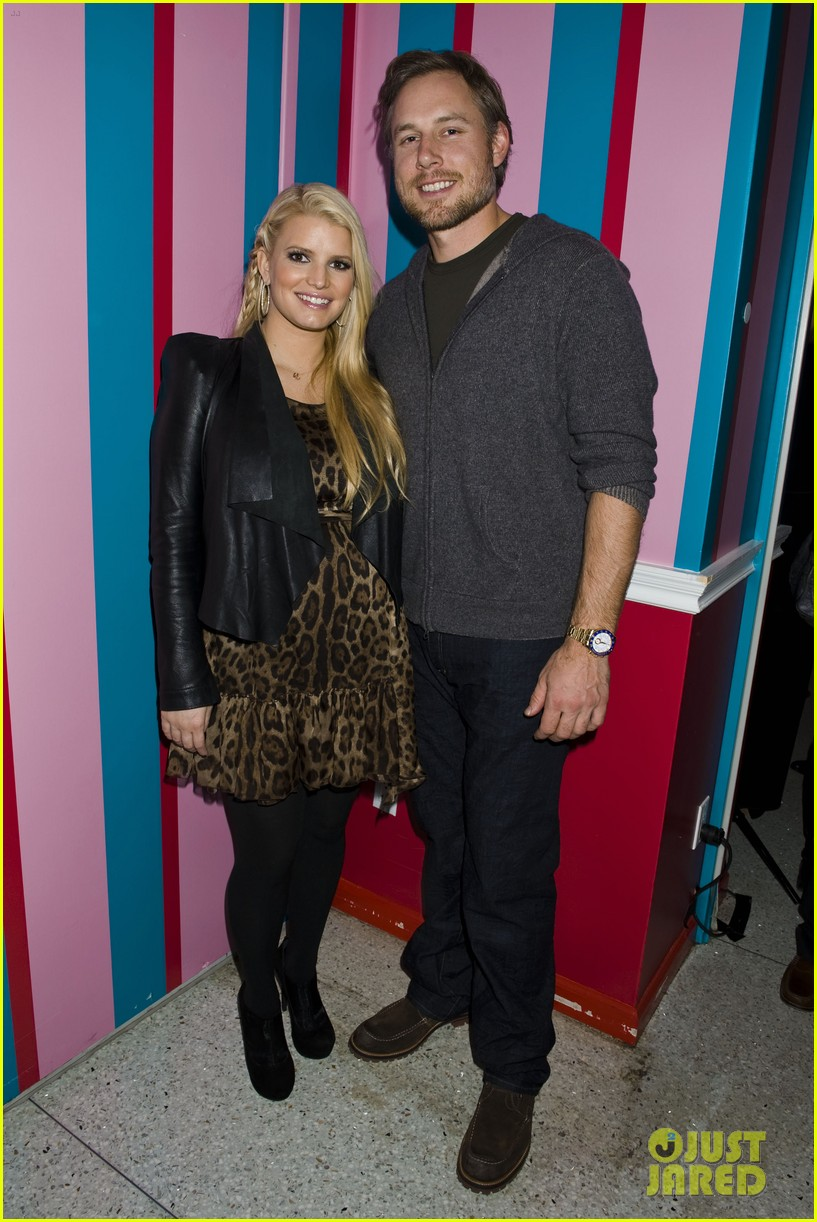jessica simpson eric johnson girls event 03