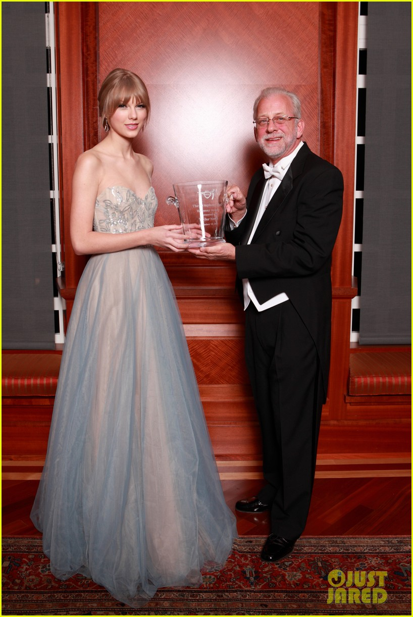 taylor swift nashville symphony ball 12