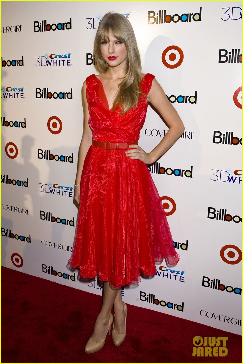 taylor swift billboard women music 072605891
