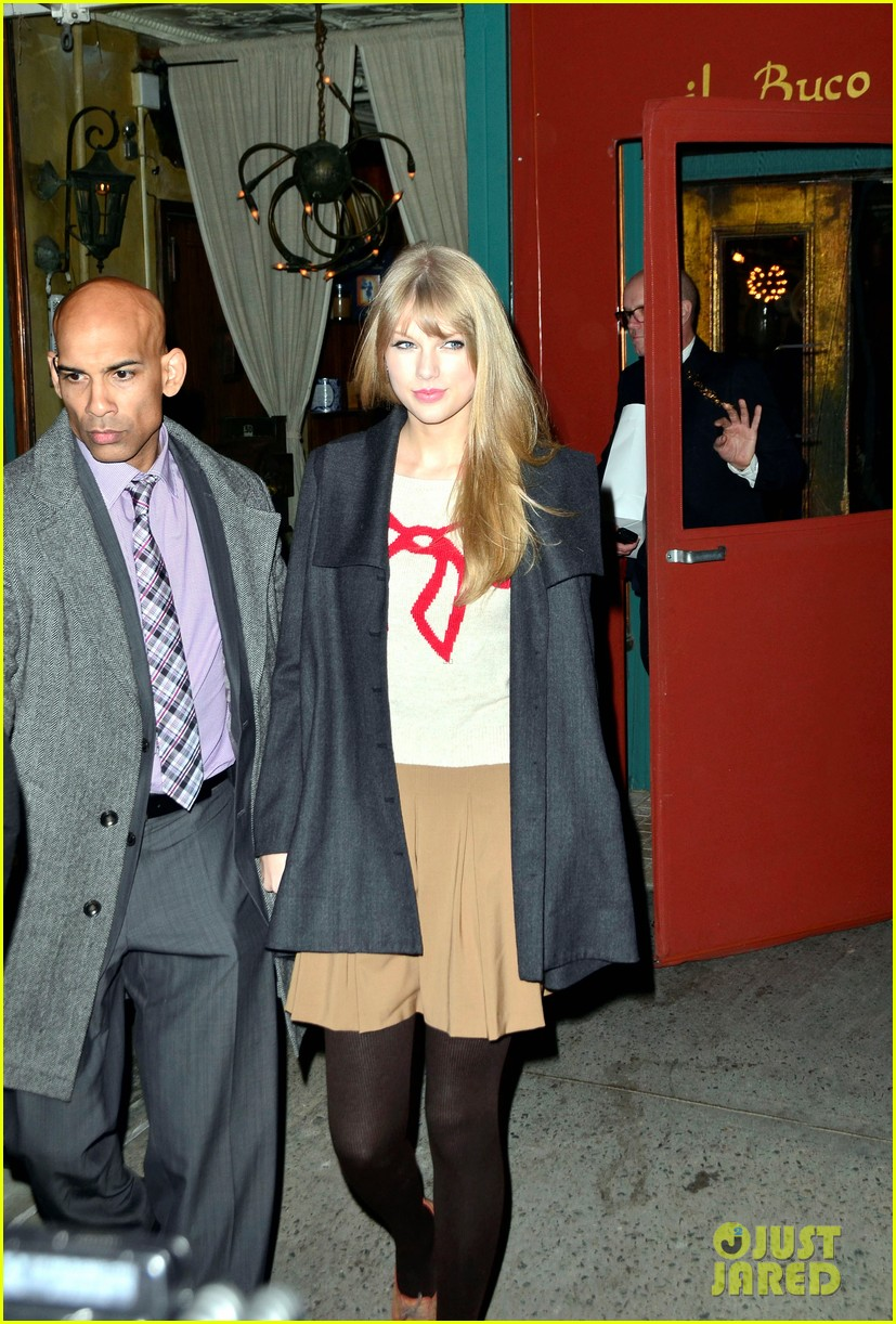 taylor swift ours video 042605962