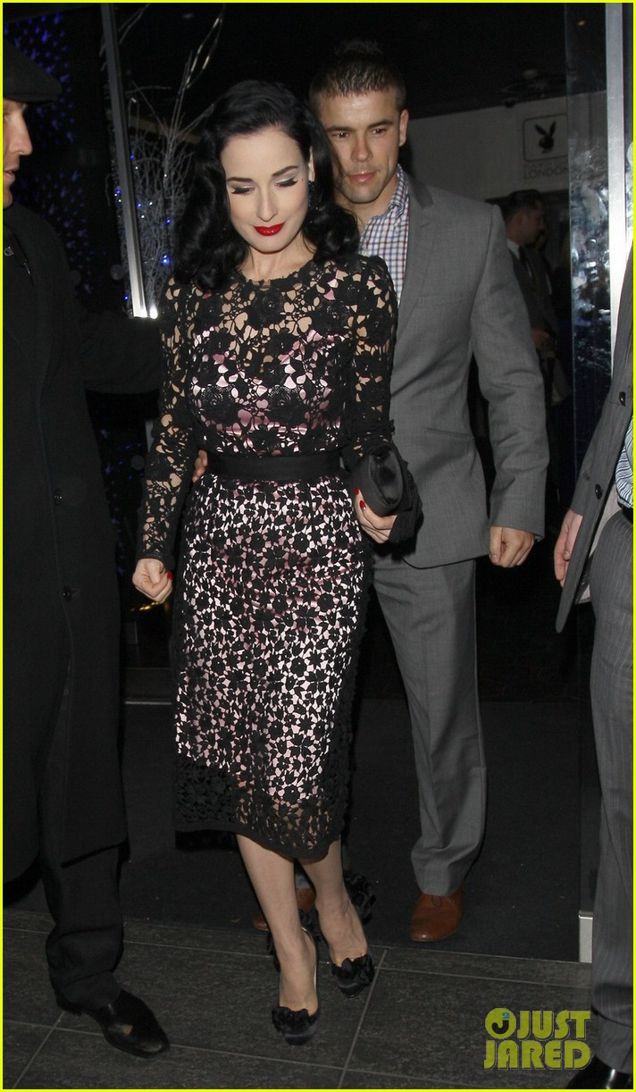 dita von teese playboy club christmas party 01