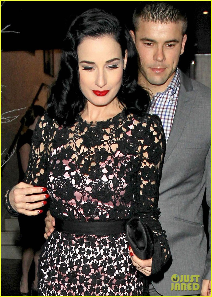 dita von teese playboy club christmas party 10
