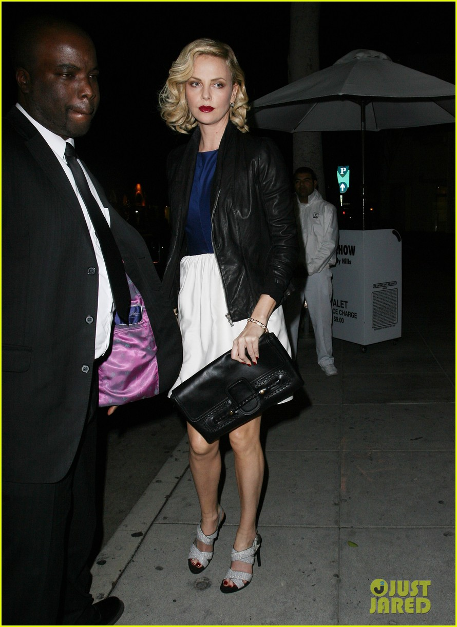 charlize theron dinner at mr chow 06