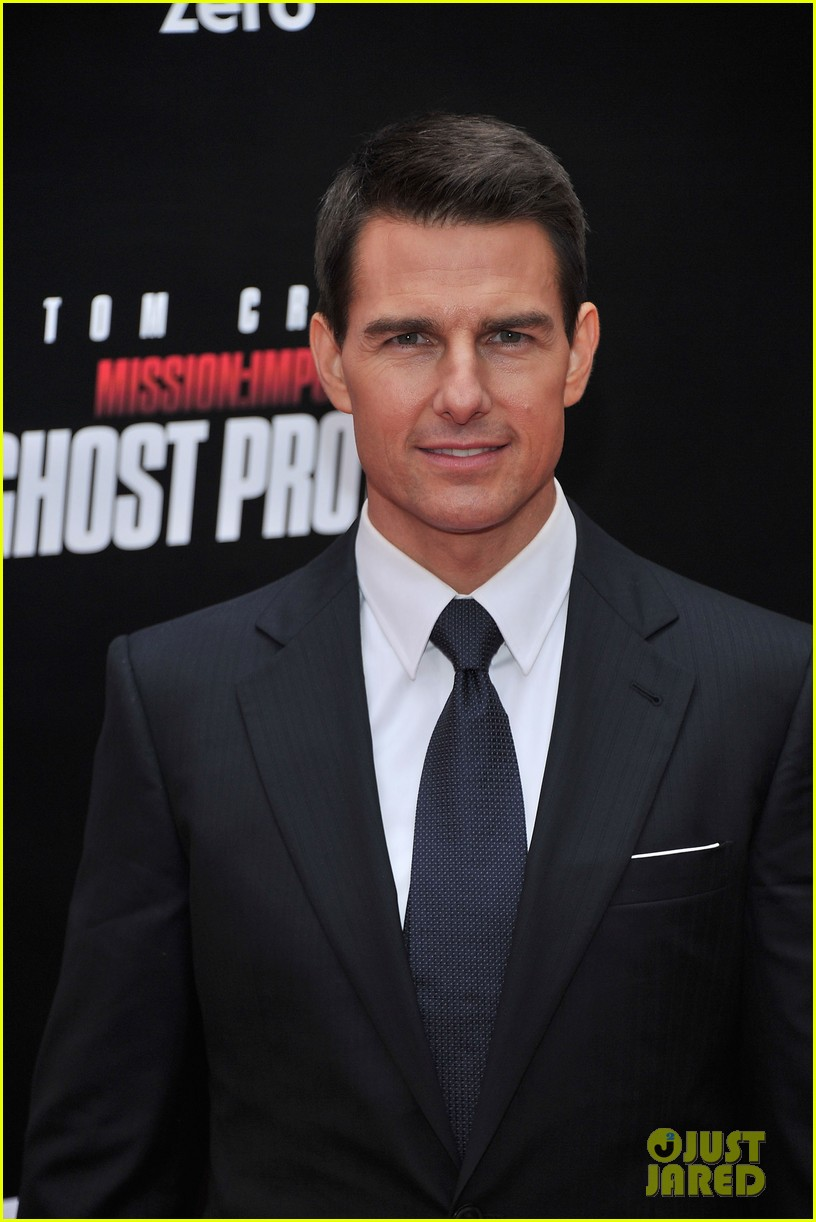 tom cruise katie holmes mission impossible premiere nyc 092611235