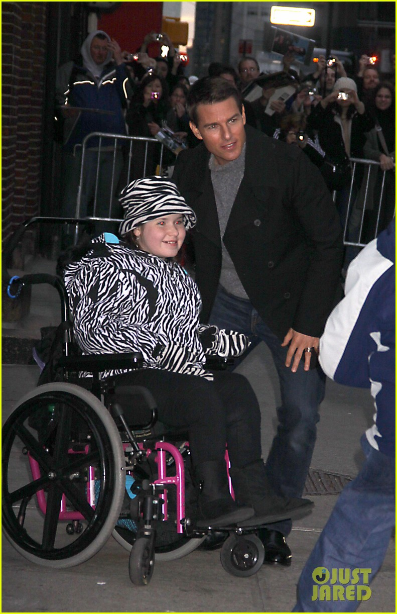 tom cruise katie holmes mission impossible premiere nyc 102611236